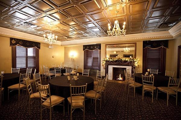 Loose Mansion | Kansas City Wedding | Abbey Leigh Photography