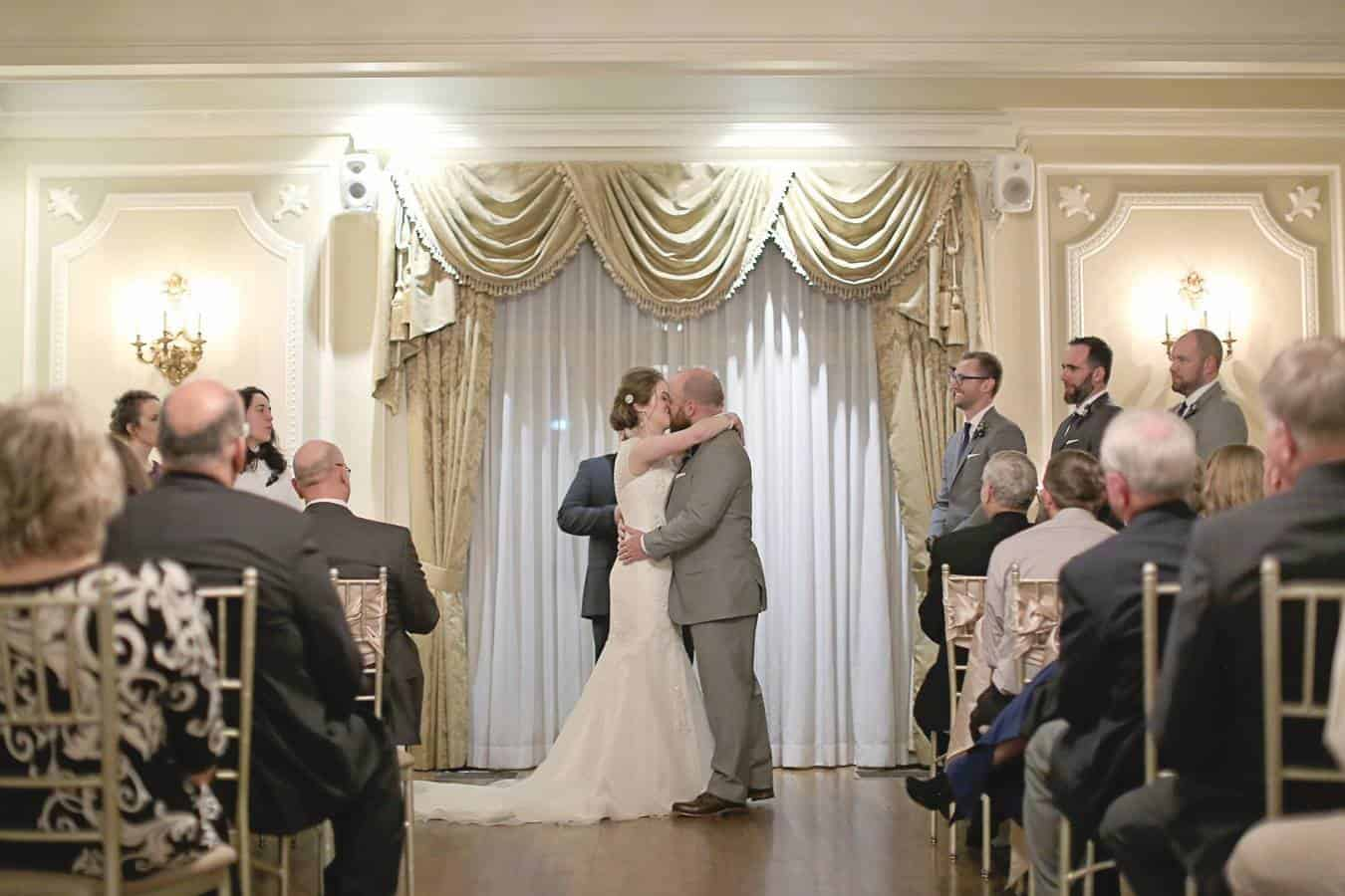 Loose Mansion – Kansas City Weddings – Elizabeth Ladean Photography