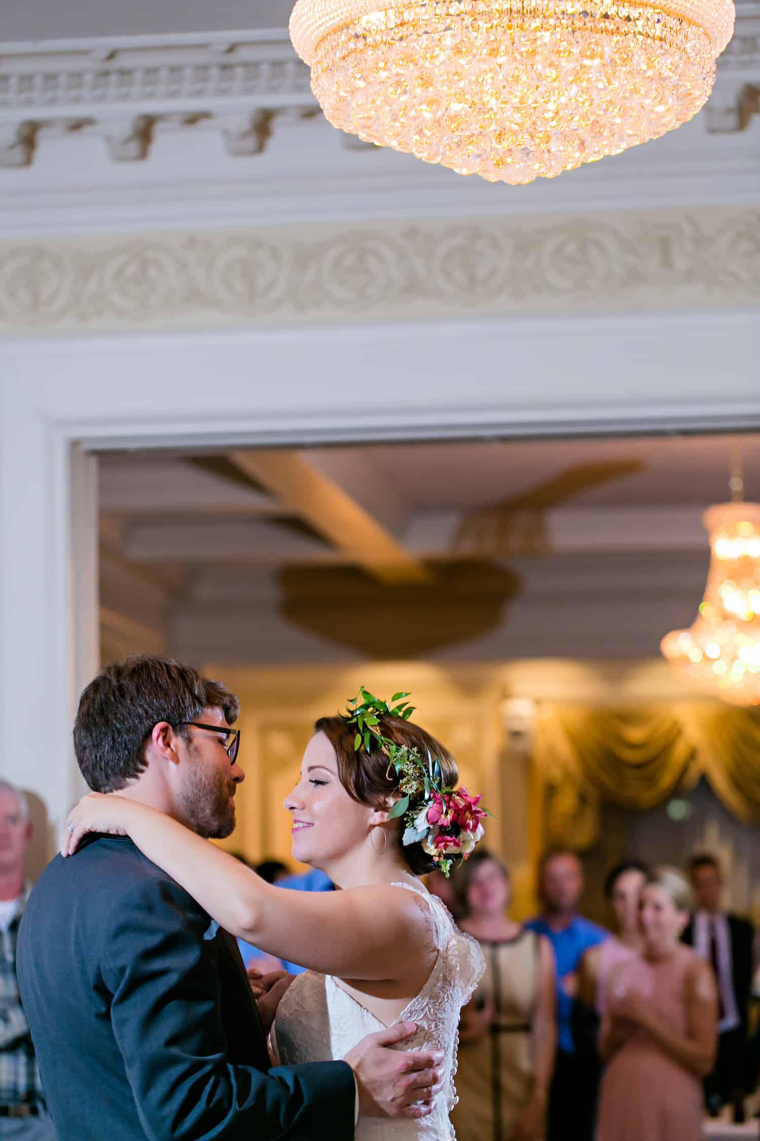 Loose Mansion | Kansas City Wedding | Bethany and Camera