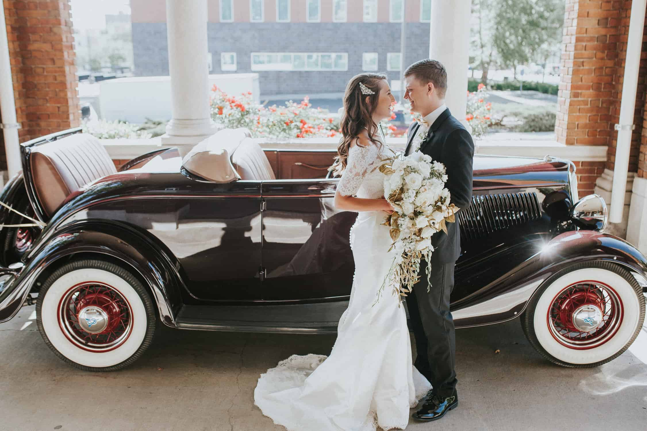 Loose Mansion | Kansas City Wedding | Bethany and Camera