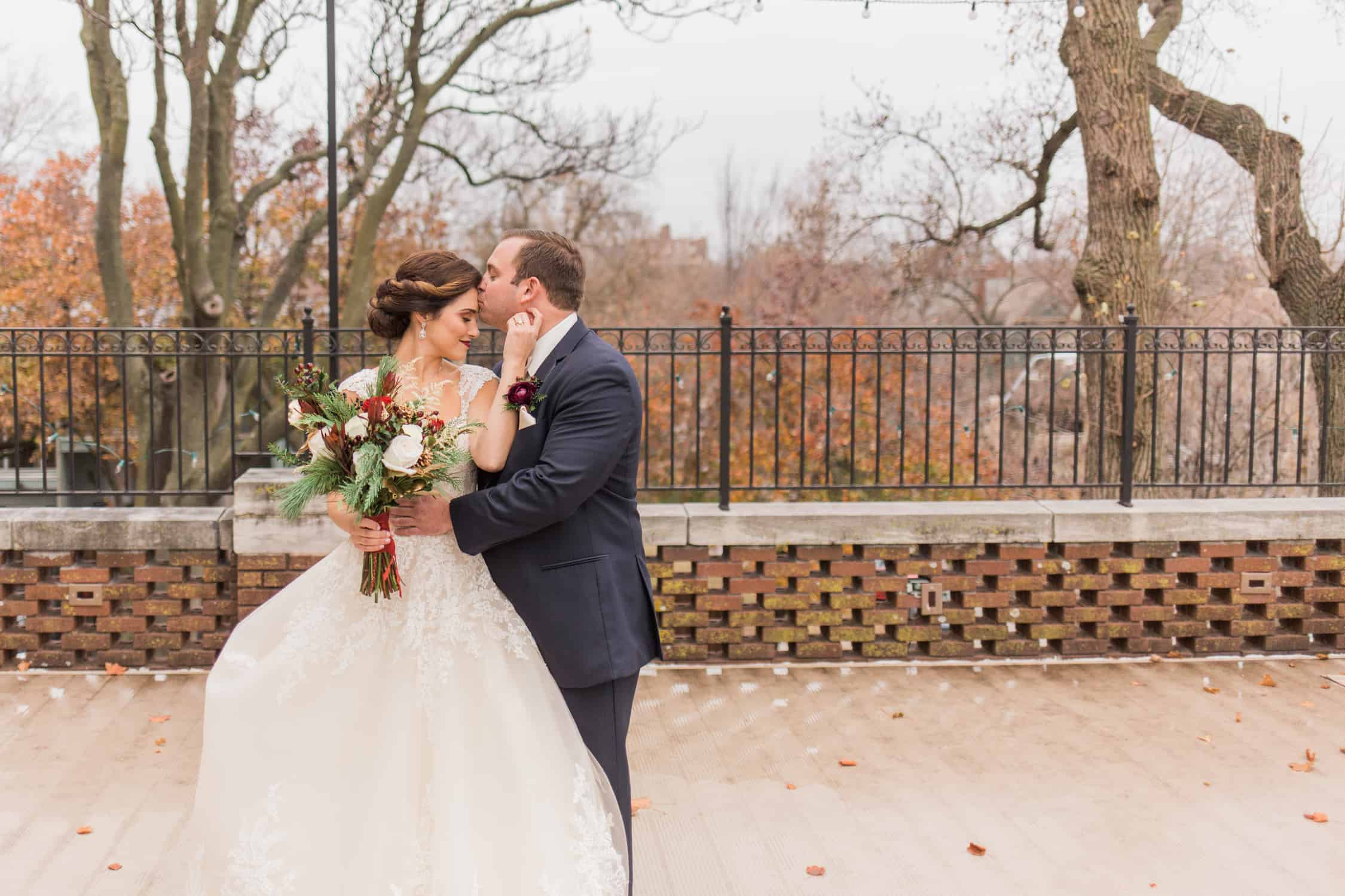 Loose Mansion | Kansas City Wedding | Captivated Studio
